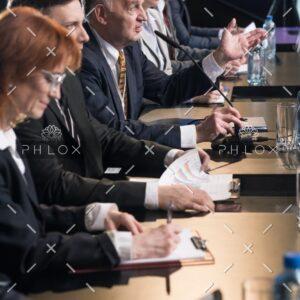 demo-attachment-1440-press-conference-with-politicians-P2UVTQN@2x